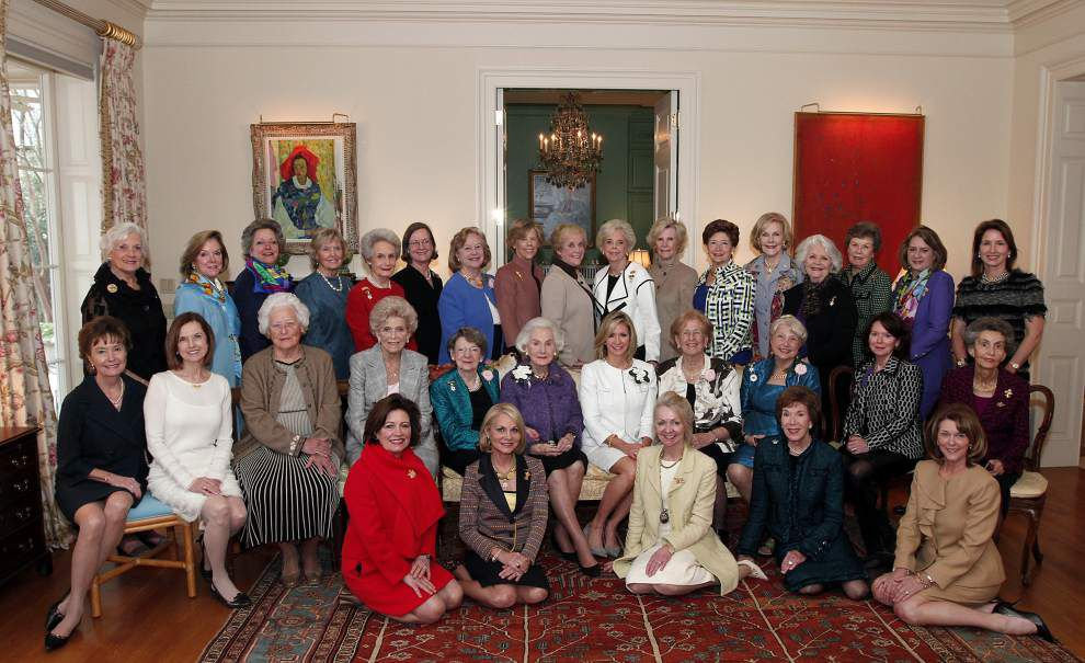 Former queens of the Mystic Club gather for luncheon _lowres