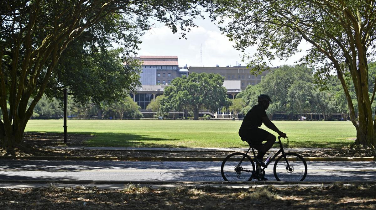 BR.bikingthrubreeze.adv HS 001.JPG