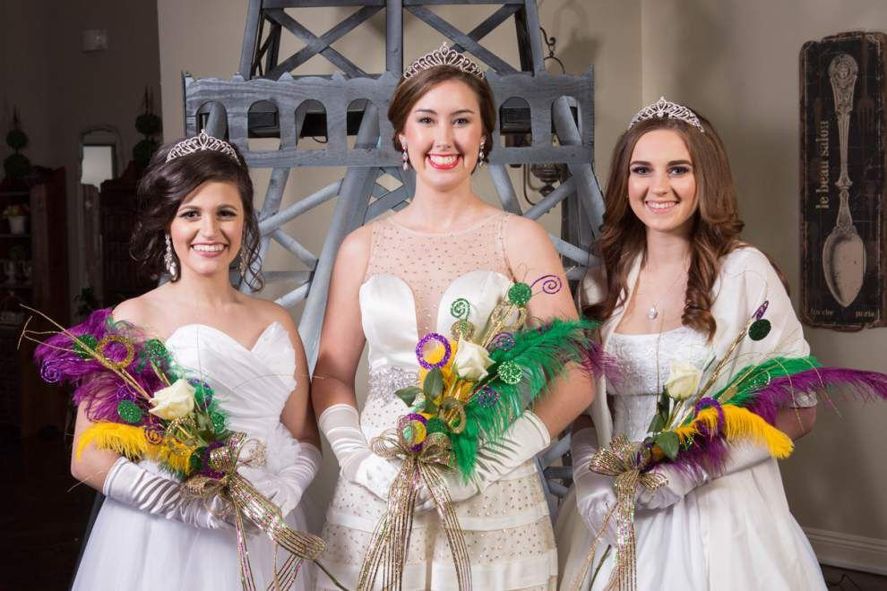 Krewe de Halcyon royalty presented at ball _lowres