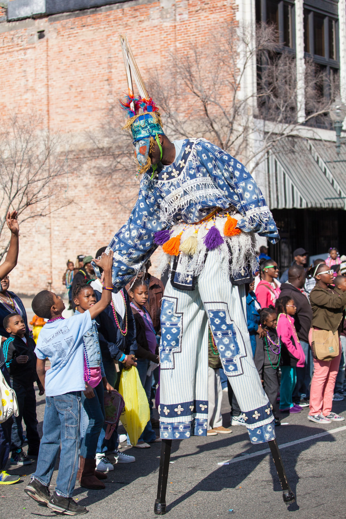 street-performer-at-the-2013-krewe-of-harambee-mlk-day-mard