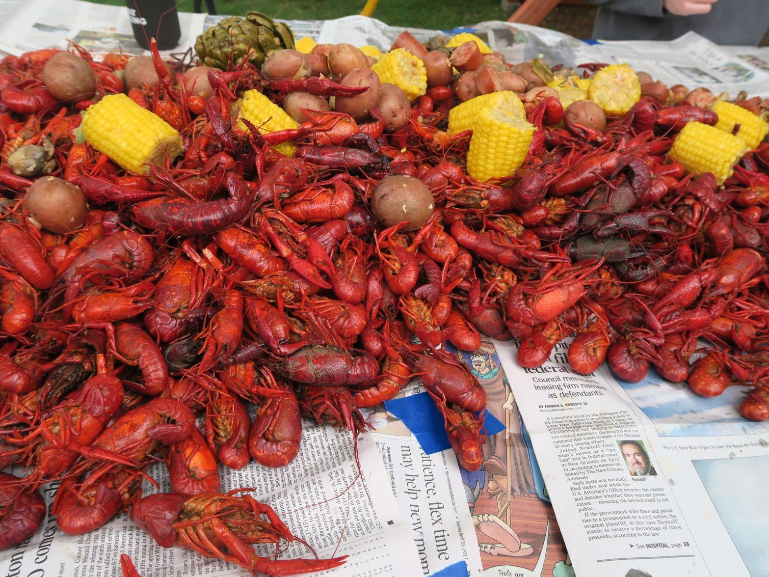 Longtime seafood eatery Gator Cove ...