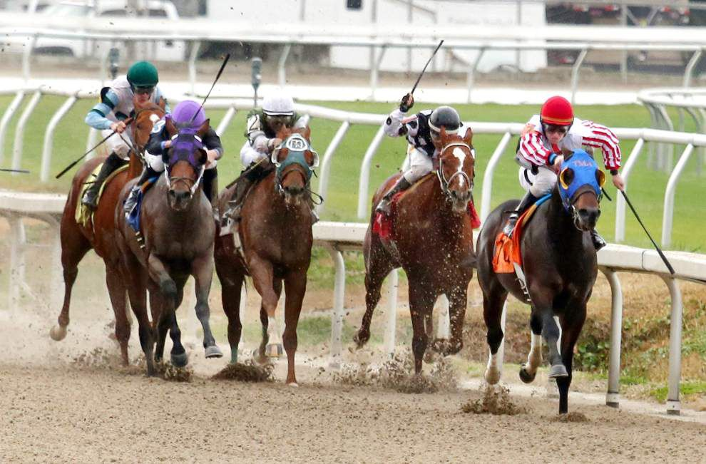 First weekend of racing goes well at Fair Grounds _lowres