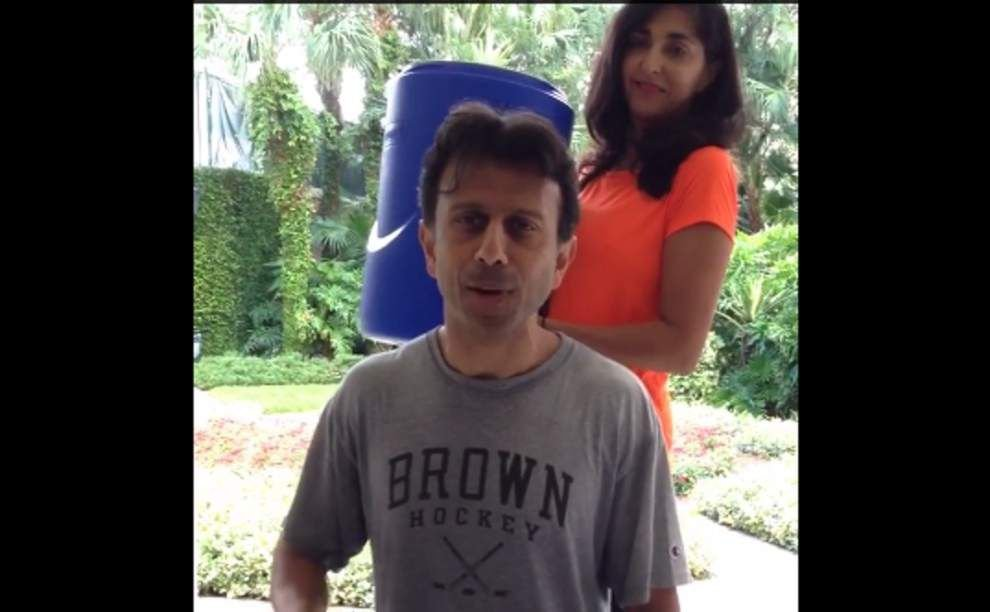 Jindal gets doused with ice for ALS awareness _lowres