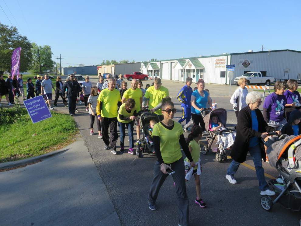Hundreds turn out for March for Babies run _lowres