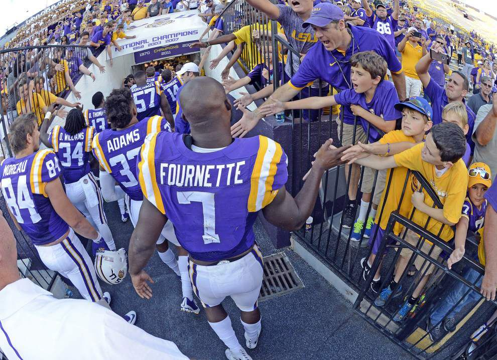 On enormous response to Leonard Fournette jersey auction, LSU running back thanks 'God for giving me a chance to help other people out' _lowres