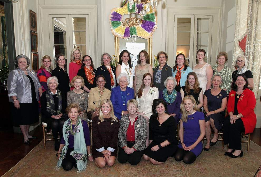 Former queens of Comus gather for luncheon _lowres