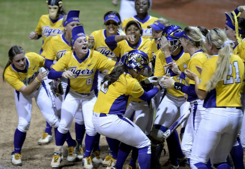 No. 3 LSU softball team faces Missouri in what could be its final road trip _lowres