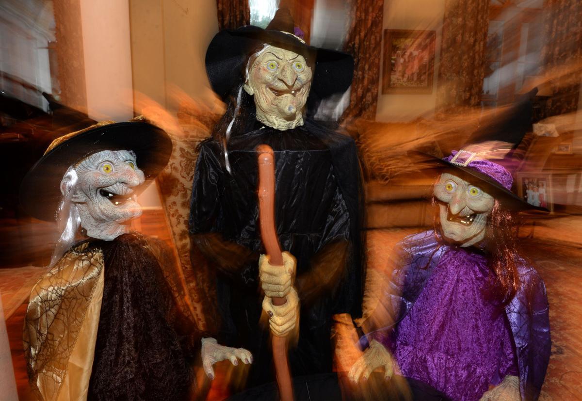 HalloweenHousePD007.jpg