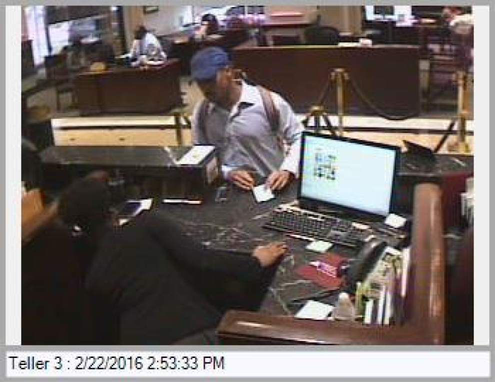 First Bank & Trust on Poydras Street robbed, held up by armed man _lowres