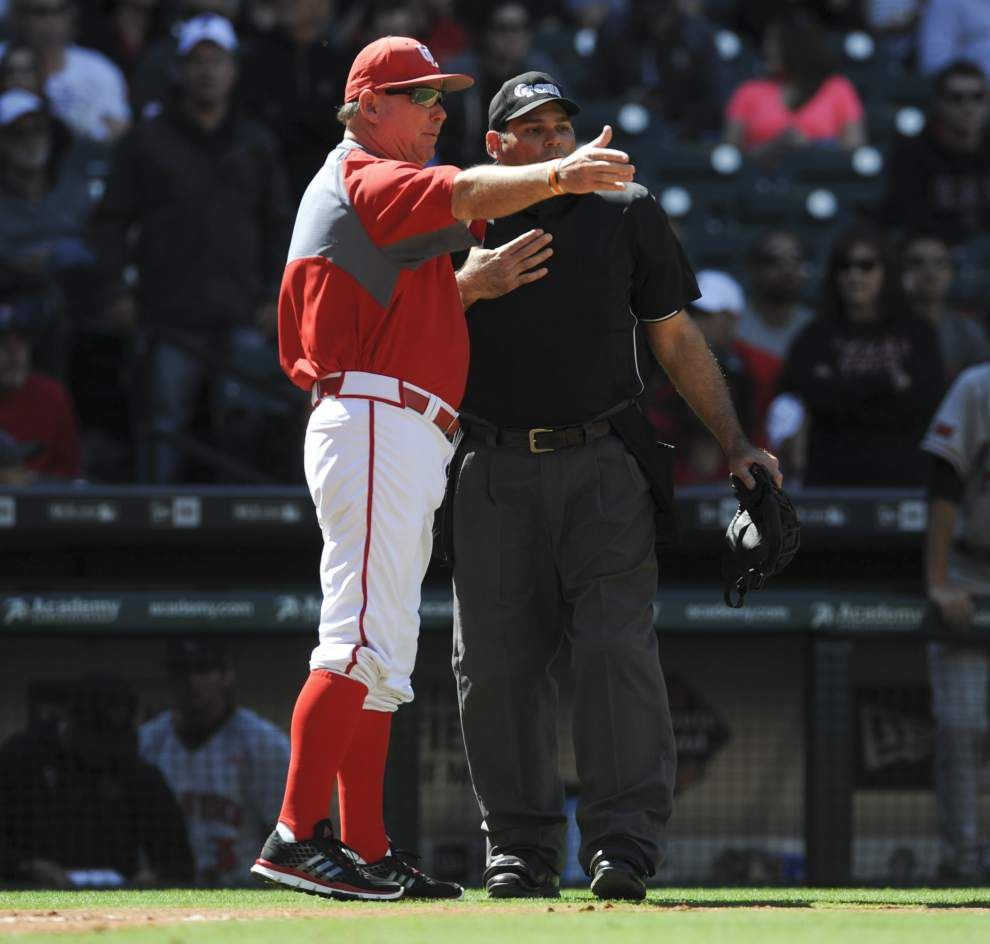 Ragin' Cajuns coach Tony Robichaux tossed after strange sequence against Texas Tech _lowres