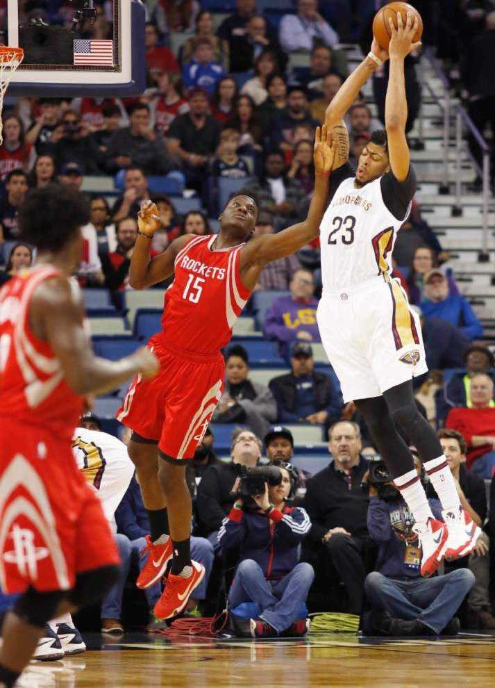 Anthony Davis suffers a concussion as Pelicans' winning streak ends with 112-111 loss to Rockets _lowres