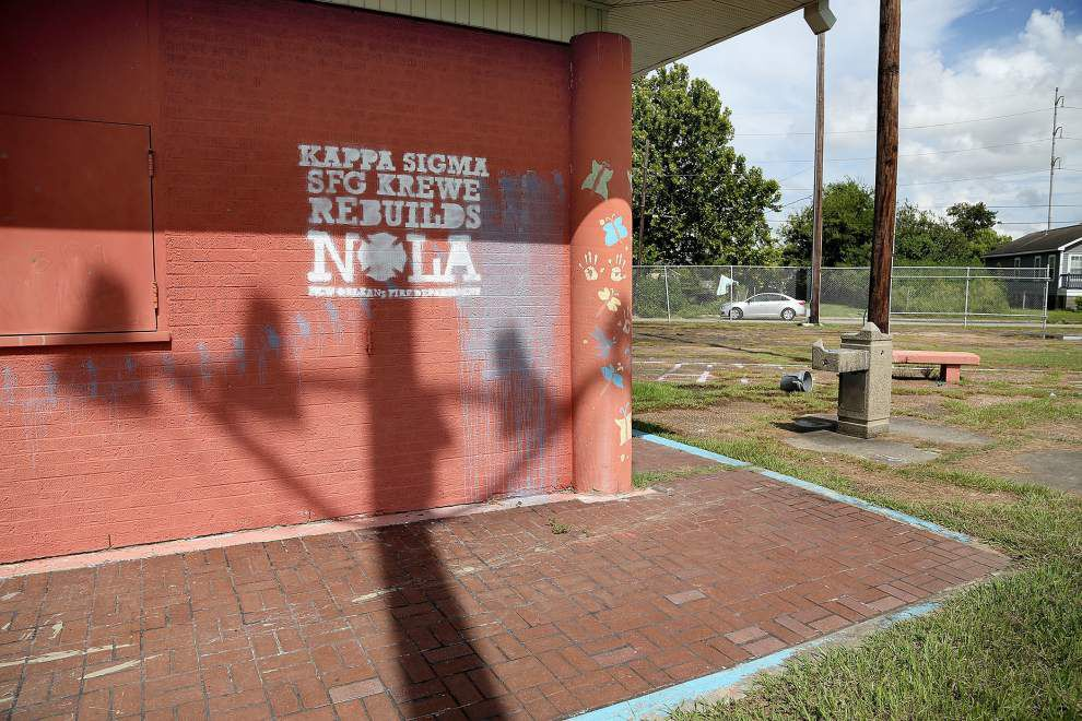 Neighbors rally against blight near site of April murder in Upper 9th Ward _lowres