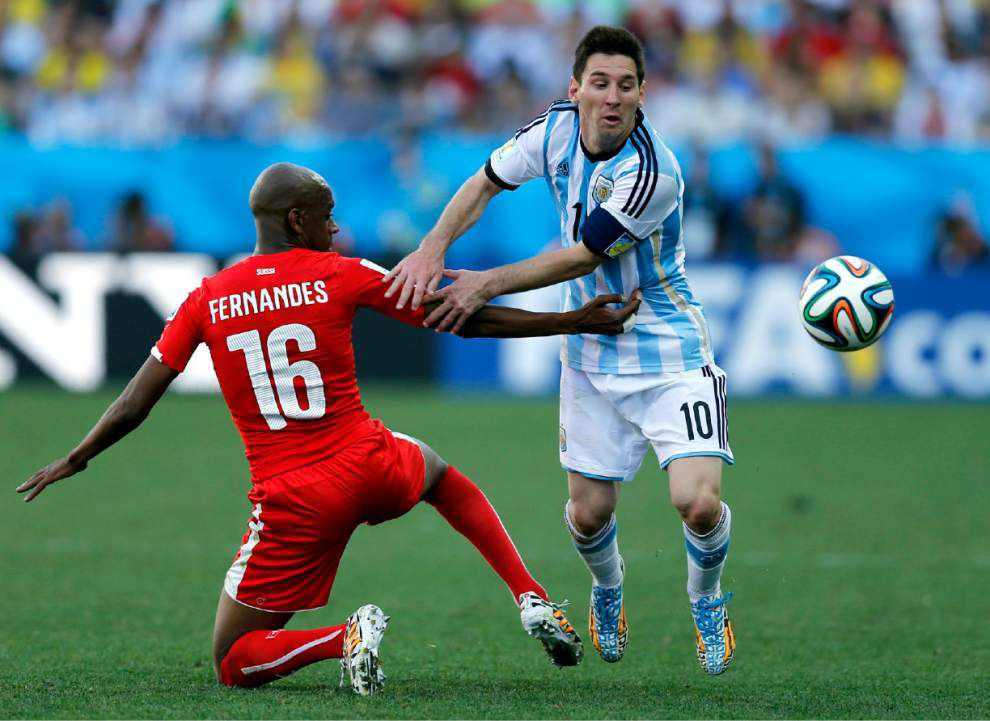 Explosive Argentina, Netherlands might choose caution _lowres