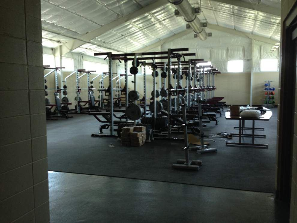 Albany High aims to translate success of new facility to field _lowres