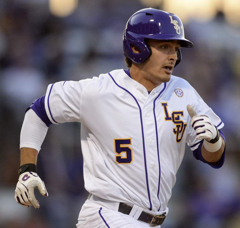 In a wild affair, Kentucky beats LSU in 12 innings for series-opening win _lowres