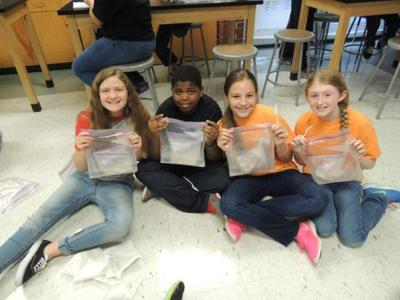 Students cross science, social studies lessons _lowres