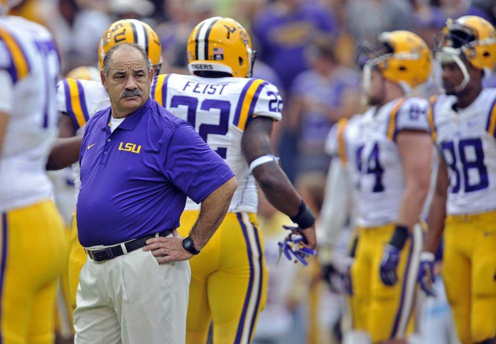 Sources: Texas A&M has contacted LSU defensive coordinator John Chavis who hasn't signed Tigers' new deal _lowres