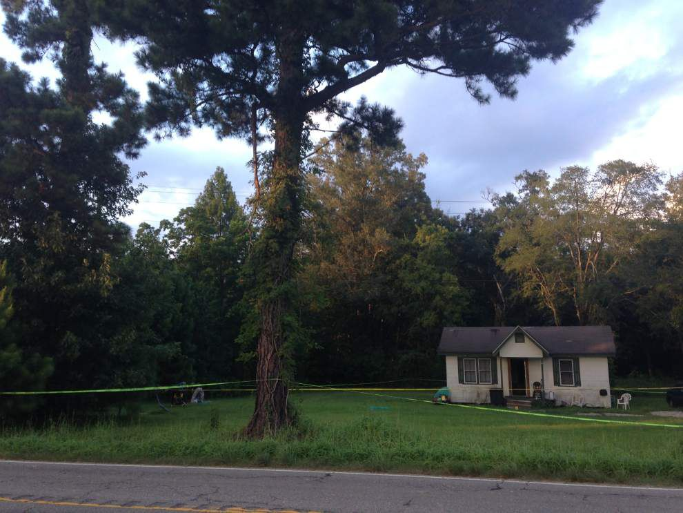 EBR Sheriff's deputies respond to fatal shooting _lowres
