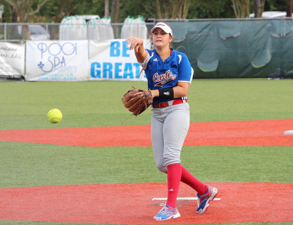 Fontainebleau stuns John Curtis in first round of playoffs _lowres