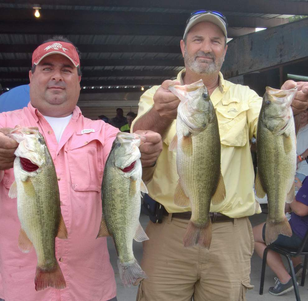 Anglers score big at bass tournament _lowres