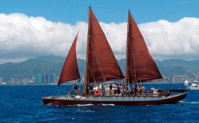 Legendary Hawaii canoe embarks on global odyssey _lowres