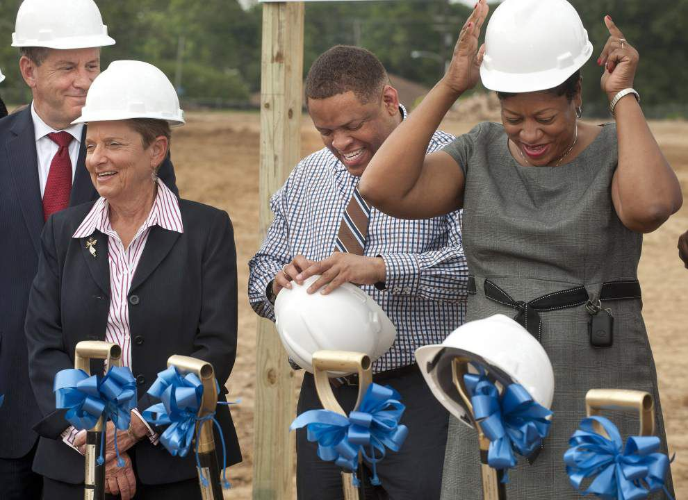 Leaders try to bury differences at groundbreaking for Lee High _lowres