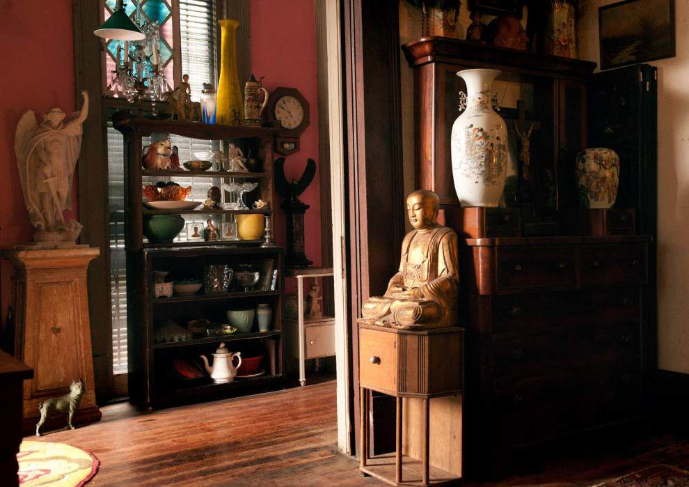 Marcus Fraser's 1894 sidehall featured on Bywater Home Tour _lowres