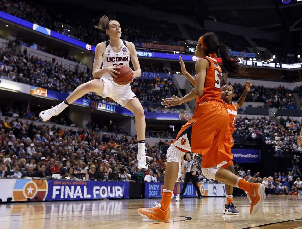 UConn overwhelms Syracuse 82-51 for fourth straight national title _lowres