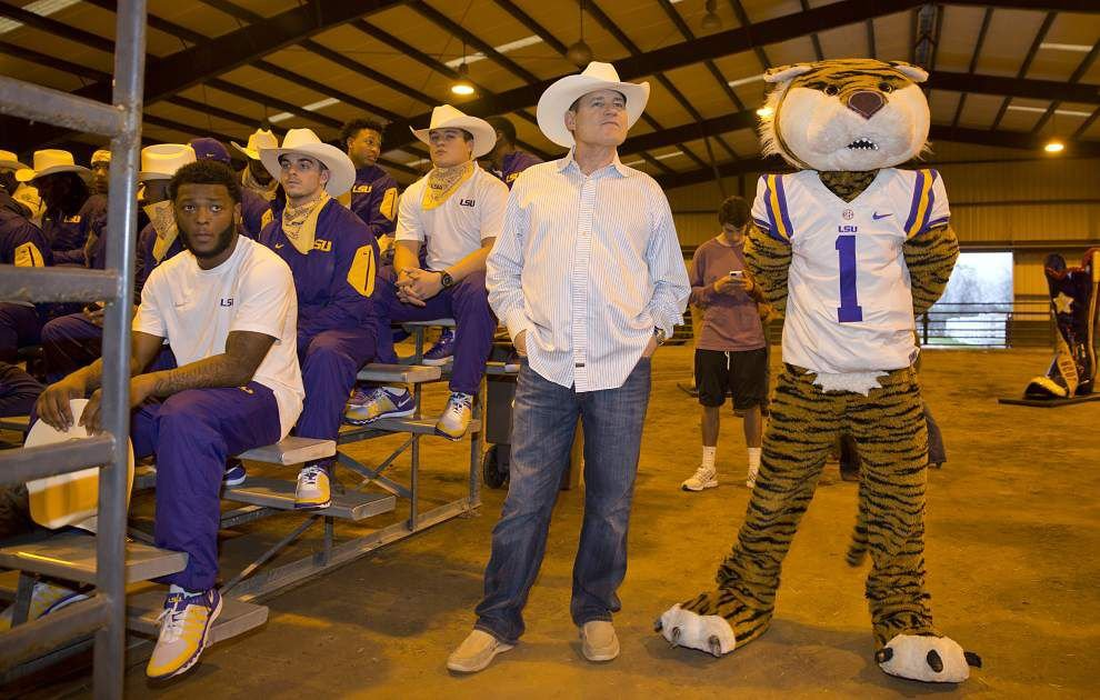 Rabalais: His job intact, LSU coach Les Miles finds himself with a pretty strong hand _lowres