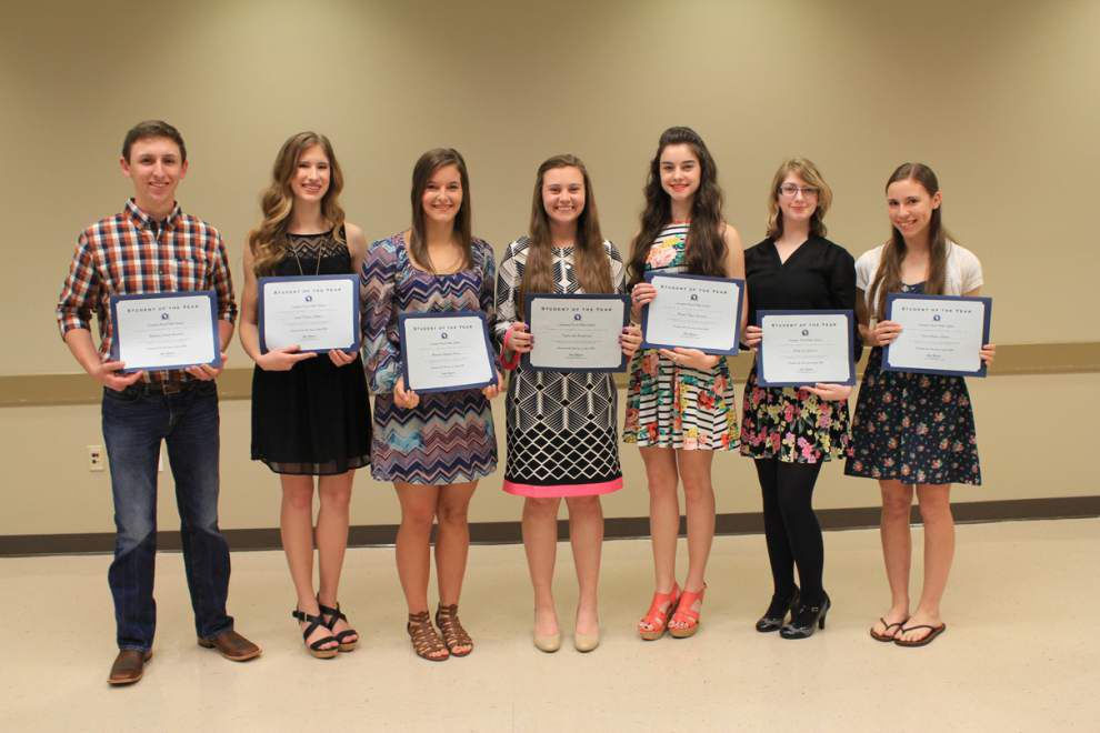 Livingston school board honors students _lowres