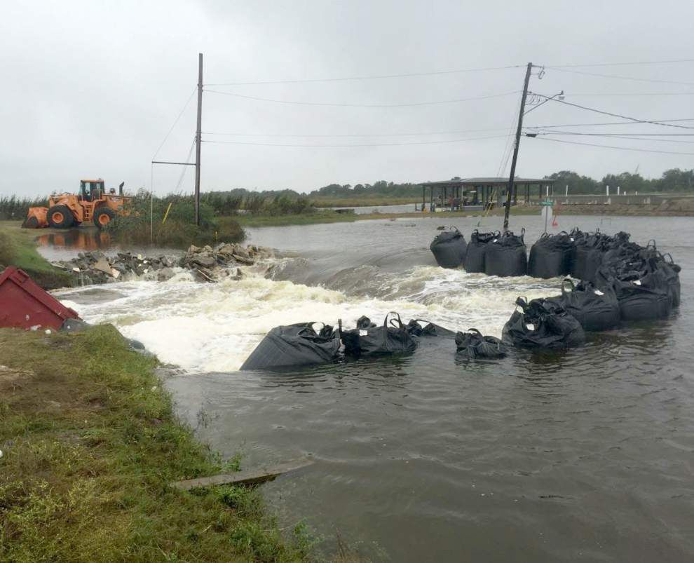 Ring levee breached in Plaquemines Parish; flooding reported in lower Jefferson Parish _lowres