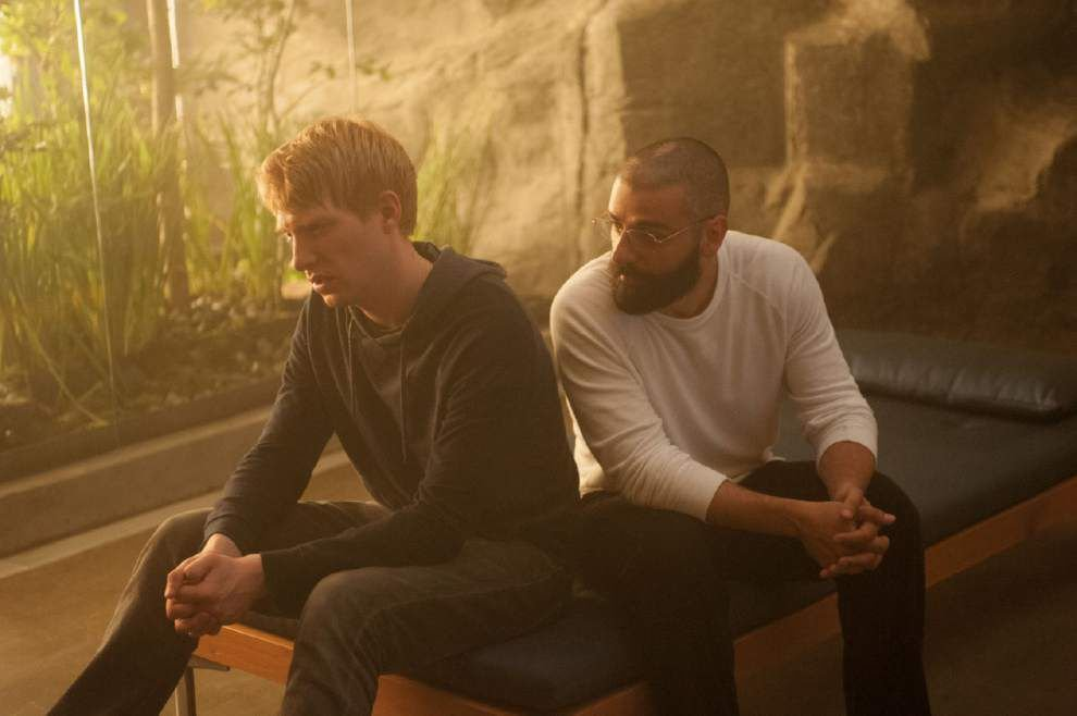 Review: A visionary sci-fi thriller is born in 'Ex Machina' _lowres