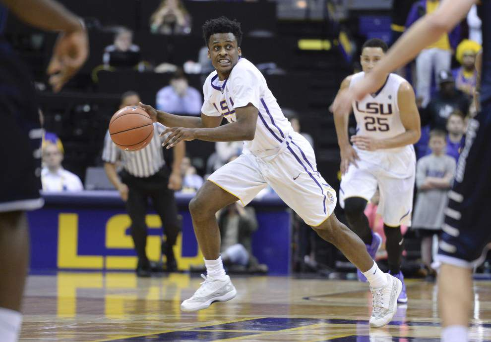 Behind Ben Simmon's 43 points, LSU outduels North Florida 119-108 _lowres