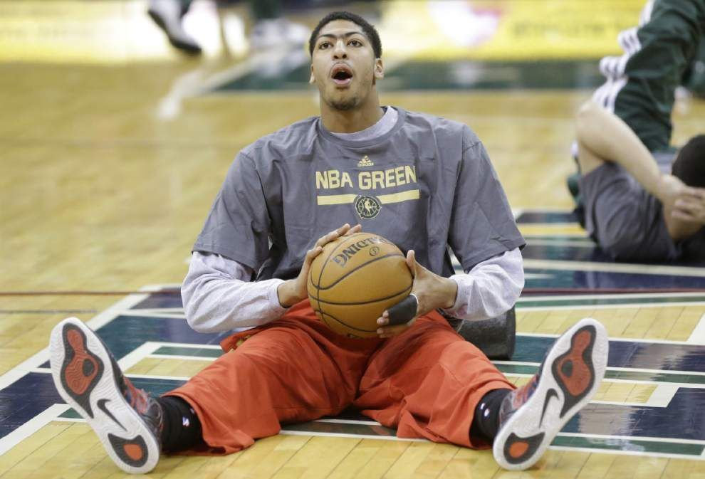 Anthony Davis remains with U.S. national team after roster is cut to 16 _lowres