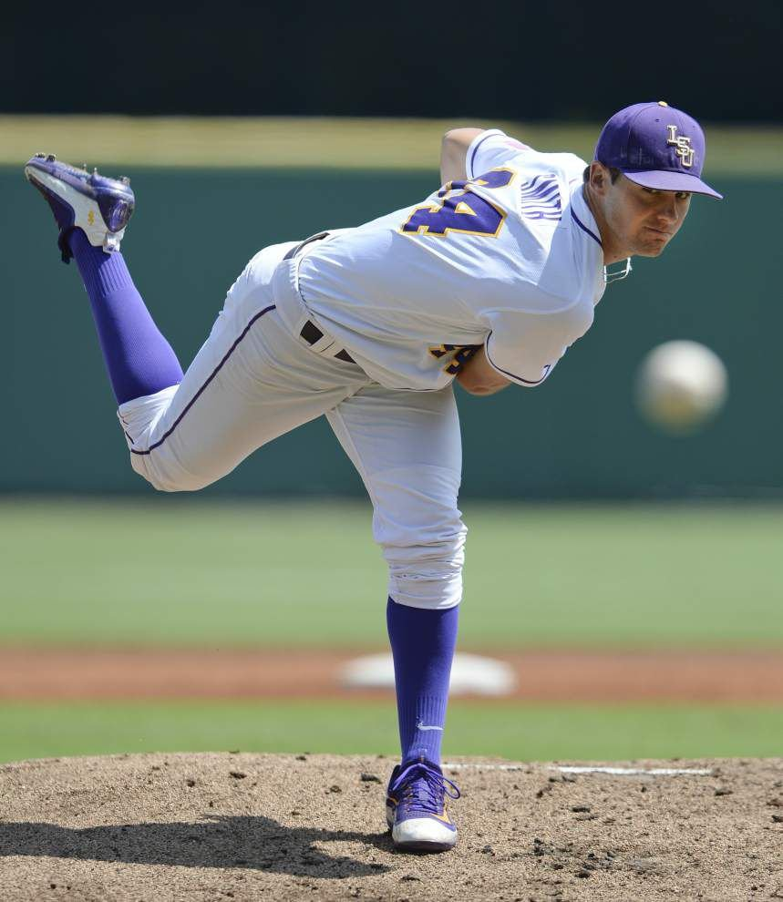 'A lot to be proud of': Florida thwarts LSU's sweep as Tigers land No. 5 seed in SEC tournament _lowres