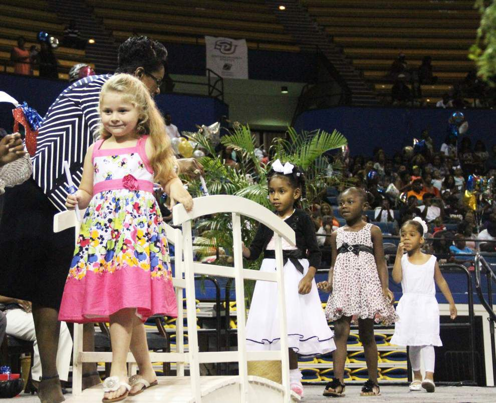 Photos: Graduations held for 481 preschool students moving on to Kindergarten _lowres