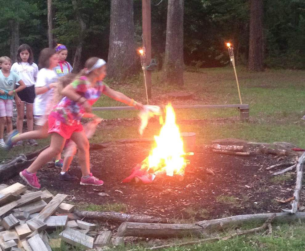 Girl Scouts seek worn U.S. flags to retire at camp ceremonies _lowres