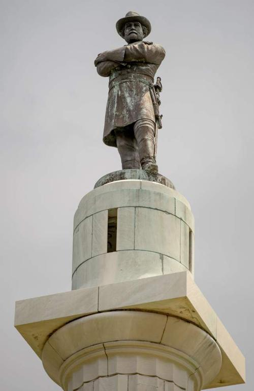 Confederate monument removal bid process stalled amid threats, unresolved court case, city of New Orleans says _lowres