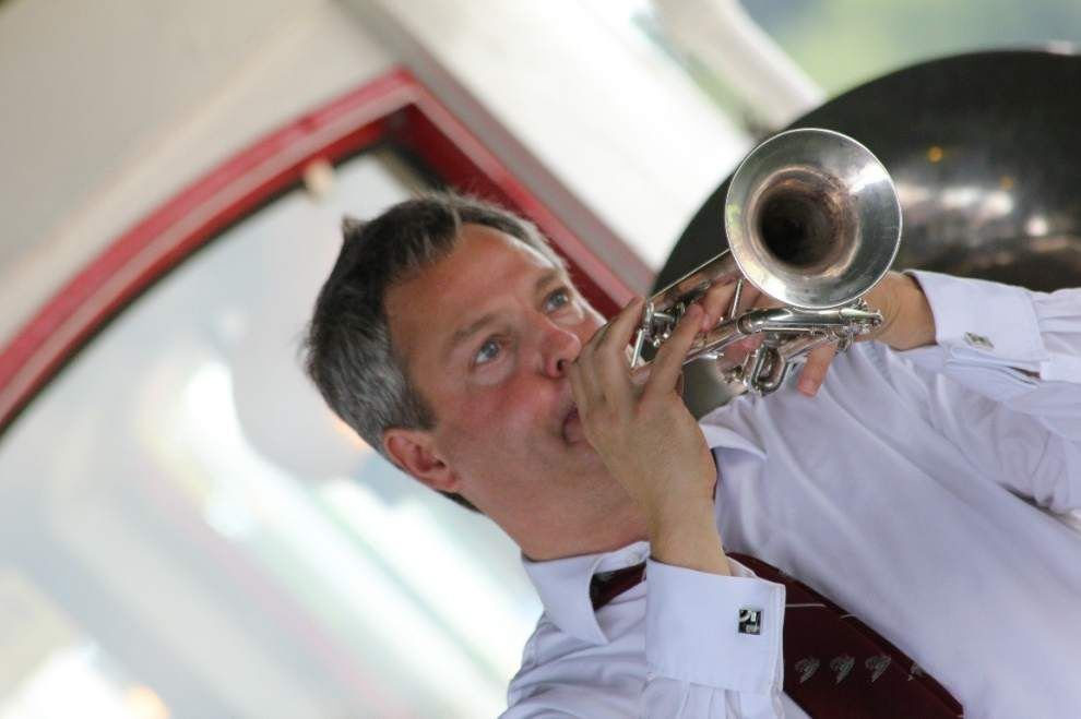 Steamboat Stomp is a jazz festival on the river _lowres