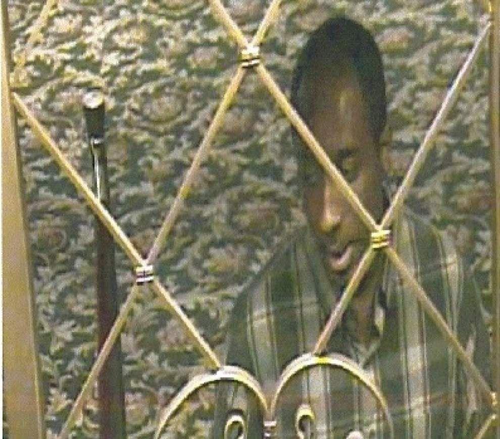 Harrah's blackjack dealer sought in cheating scheme _lowres