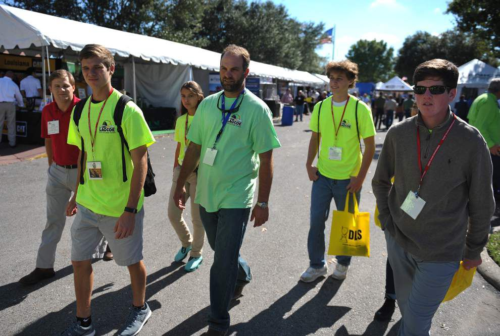 High school students learn the ups and downs of the oil business at LAGCOE 2015 _lowres