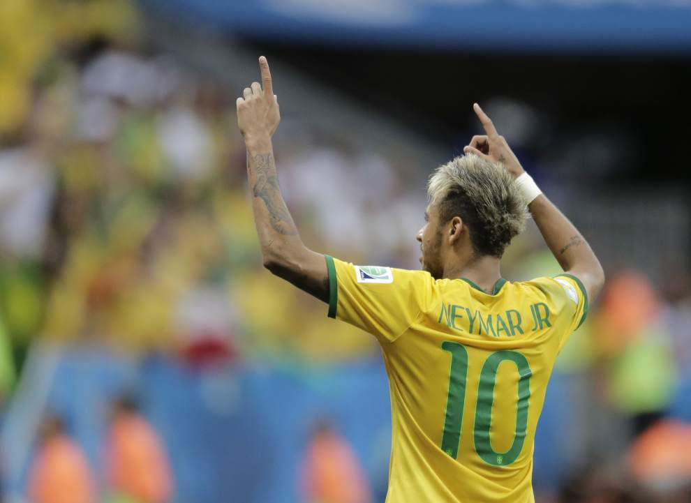 World Cup roundup: Brazil eases into second round _lowres