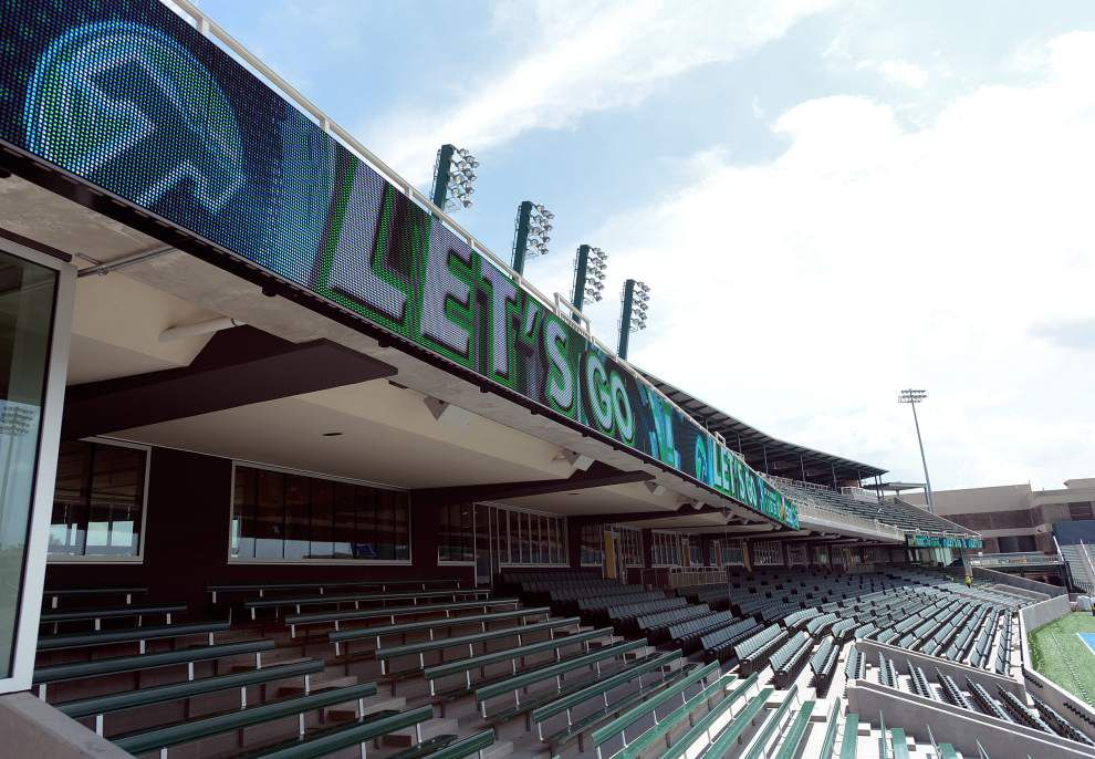 Tulane's new stadium opens with family activities, tailgating _lowres