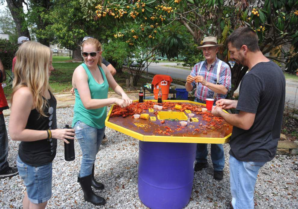 Neighbors, friends get together during Porch Fest in Freetown-Port Rico neighborhood _lowres
