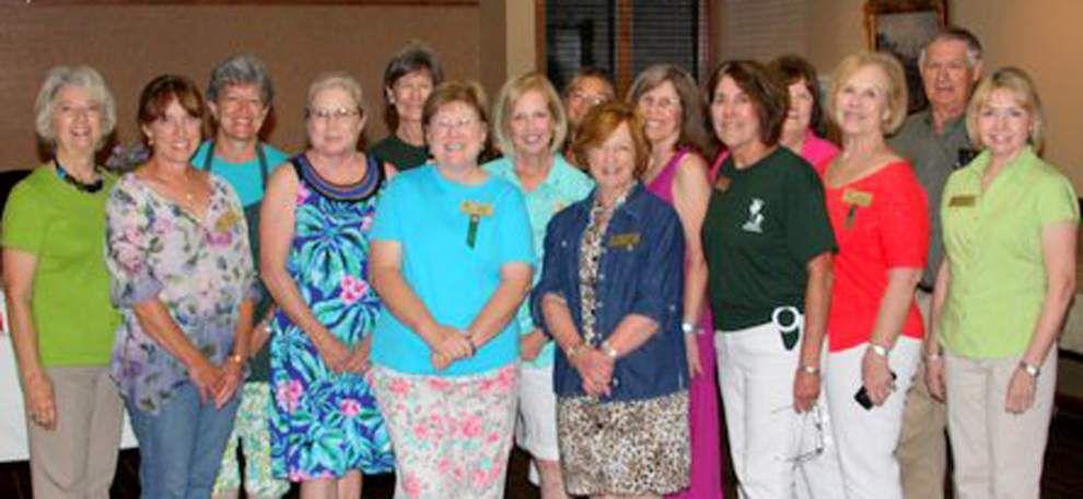 EBR Master Gardeners host Mississippi group _lowres