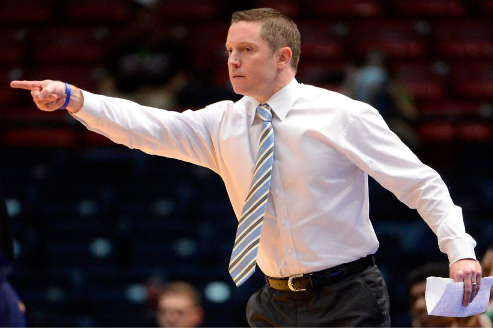 Florida hires La. Tech's White to replace Donovan _lowres