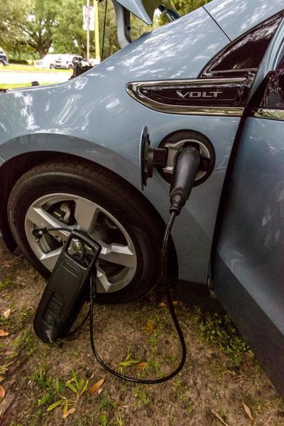 electriccars.nc007.092717.jpg