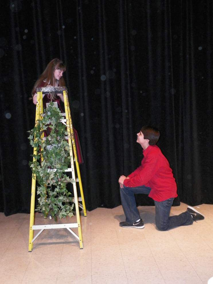 Eighth-graders perform Shakespeare excerpts _lowres