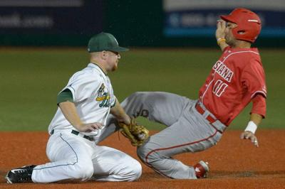 Tulane, wind conditions play tricks on Cajuns as Green Wave rallies for 5-3 win _lowres