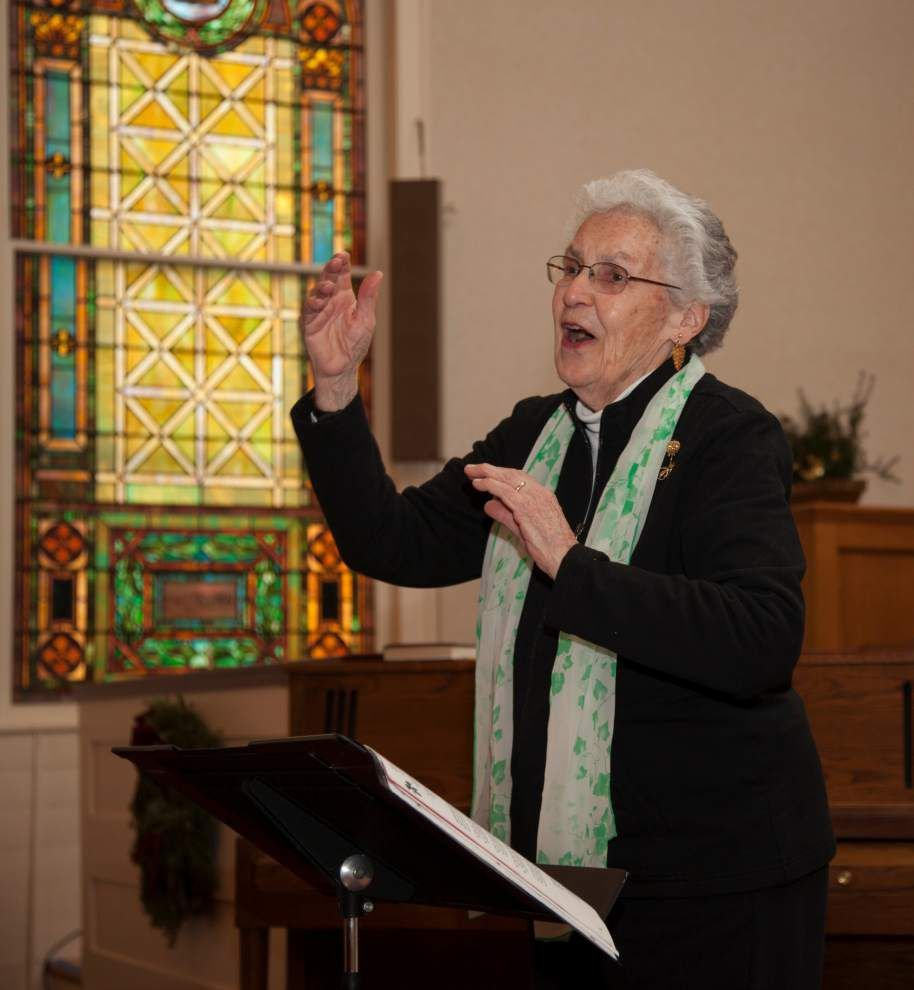 Conductor, composer Alice Parker to educate, then lead performers _lowres